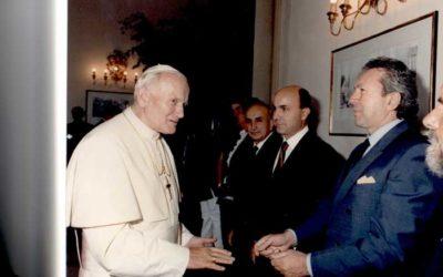 """Da """"La Nazione """" settembre 1989 – GEROLAMO BOLLI dona un quadro al Papa"""